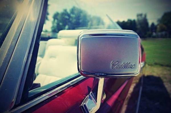 specchietto retrovisore Cadillac